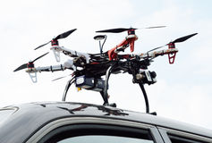 Helicóptero no carro Imagens de Stock