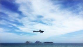 Helicóptero policial Rio de Janeiro Brazil almacen de video