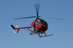 Helicóptero rojo imagenes de archivo