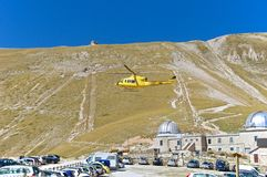 Helicopter rescue, Campo Imperatore, Gran Sasso, Italy Royalty Free Stock Images