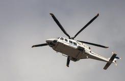 Helicoter włoszczyzny polici latanie Zdjęcia Stock