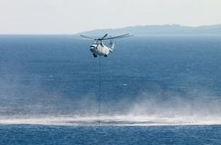 Helicóptero da luta contra o incêndio Foto de Stock
