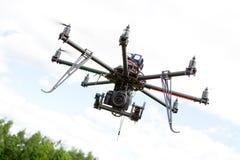 Helicóptero de la fotografía de Multirotor Imágenes de archivo libres de regalías