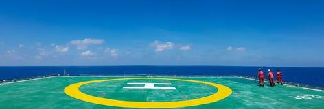 Helideck a pouca distância do mar Fotografia de Stock