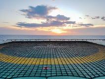 Helideck a pouca distância do mar Imagem de Stock Royalty Free