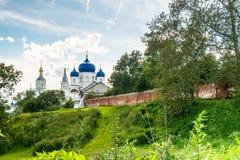 Helig Bogolyubovo kloster i den soliga sommardagen, Vladimir region, Ryssland Arkivfoto