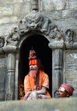 Helig hinduisk sadhuman i Pashupatinath, Nepal Royaltyfri Bild