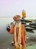 Helig man i Varanasi Arkivbild