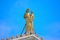 Helig Mary och Jesus staty i den Pisa duomoen Royaltyfria Bilder