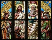 helig trinity Art Nouveau målat glassfönster royaltyfri bild