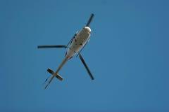 Helikopter in de lucht stock foto's