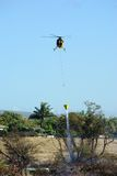 Helikopter en Kreupelhoutbrand Stock Fotografie