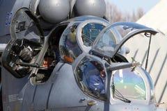 Helikopter för attack som Mi-35 föreställas på den Kubinka flygvapengrunden Royaltyfri Foto