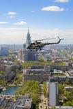 8 helikopter mi Arkivbild