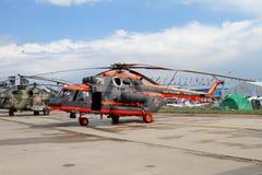 Helikopter Mi-8 på den internationella flyg- och utrymmesalongen in Fotografering för Bildbyråer