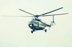 Helikopter Mil Mi-17 på airshow Fotografering för Bildbyråer