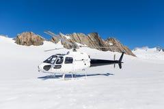 Helikopter op Franz Josep Glacier stock foto's