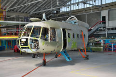 Helikopter som är maintenanceds Royaltyfri Fotografi