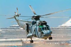 helikopter som seaking Arkivfoton