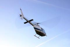 Helikopter som tar av arkivfoto