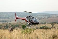 Helikopter używać strzałek zwierzęta od powietrza Zdjęcie Royalty Free