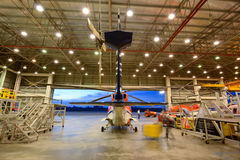 Helikopter w hangarze Fotografia Royalty Free