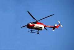 helikopterläkarundersökning Royaltyfri Fotografi