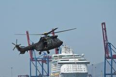 helikoptermilitär Arkivbild