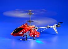 Helikoptern som radio-kontrolleras för lek Fotografering för Bildbyråer