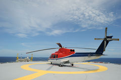 Helikopterparkering på frånlands- Arkivfoto