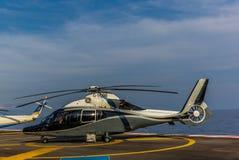 Helikopters bij de Helihaven van Nice royalty-vrije stock afbeeldingen