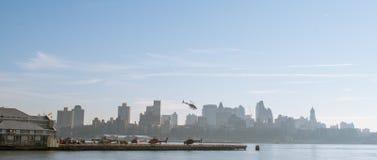 Helikopters in de Stad van New York Stock Foto's