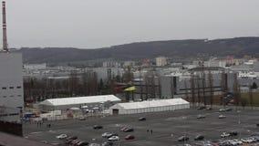 Helikopterstart en overdrachtenlading, Mlada Boleslav, Tsjechische Republiek stock videobeelden
