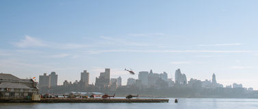 Helikoptrar i New York City arkivfoton
