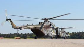Helikoptrar Mi-171 Fotografering för Bildbyråer