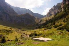 Heliport för bergräddningsaktionhelikoptern arkivfoto