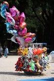 Helium opgeblazen ballons royalty-vrije stock fotografie