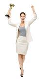Hellång stående av affärskvinnan med koppen royaltyfria foton