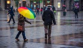 Hell farbiger Regenschirm Lizenzfreies Stockbild