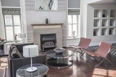 Hell, luftig, modern, Wohnzimmer. Stockfoto