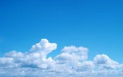 Hellblauer Himmel Stockbild