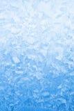 Hellblaues gefrorenes Fensterglas Lizenzfreies Stockfoto