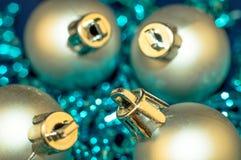 Hellblaues und silbernes Weihnachten Stockfotografie