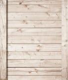 Hellbraune hölzerne Wand oder Fußbodenbelag mit den vertikalen und diagonalen Planken lizenzfreie stockfotografie