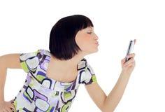 Helle Abbildung der glücklichen Frau mit Handy Stockbild