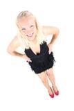Helle Abbildung der jungen Blondine im schwarzen Kleid Stockfotos