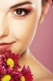 Helle Abbildung des reizenden Mädchens mit Blume Stockbilder