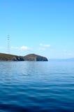 Helle blaue Seelandschaft. stockbild
