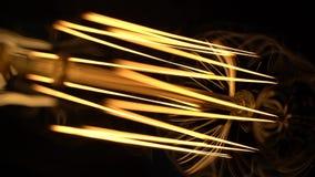 Helle Blitze einer alten Lampe stock video footage