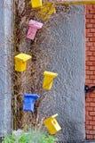 Helle dekorative hölzerne Vogelhäuser Lizenzfreies Stockbild